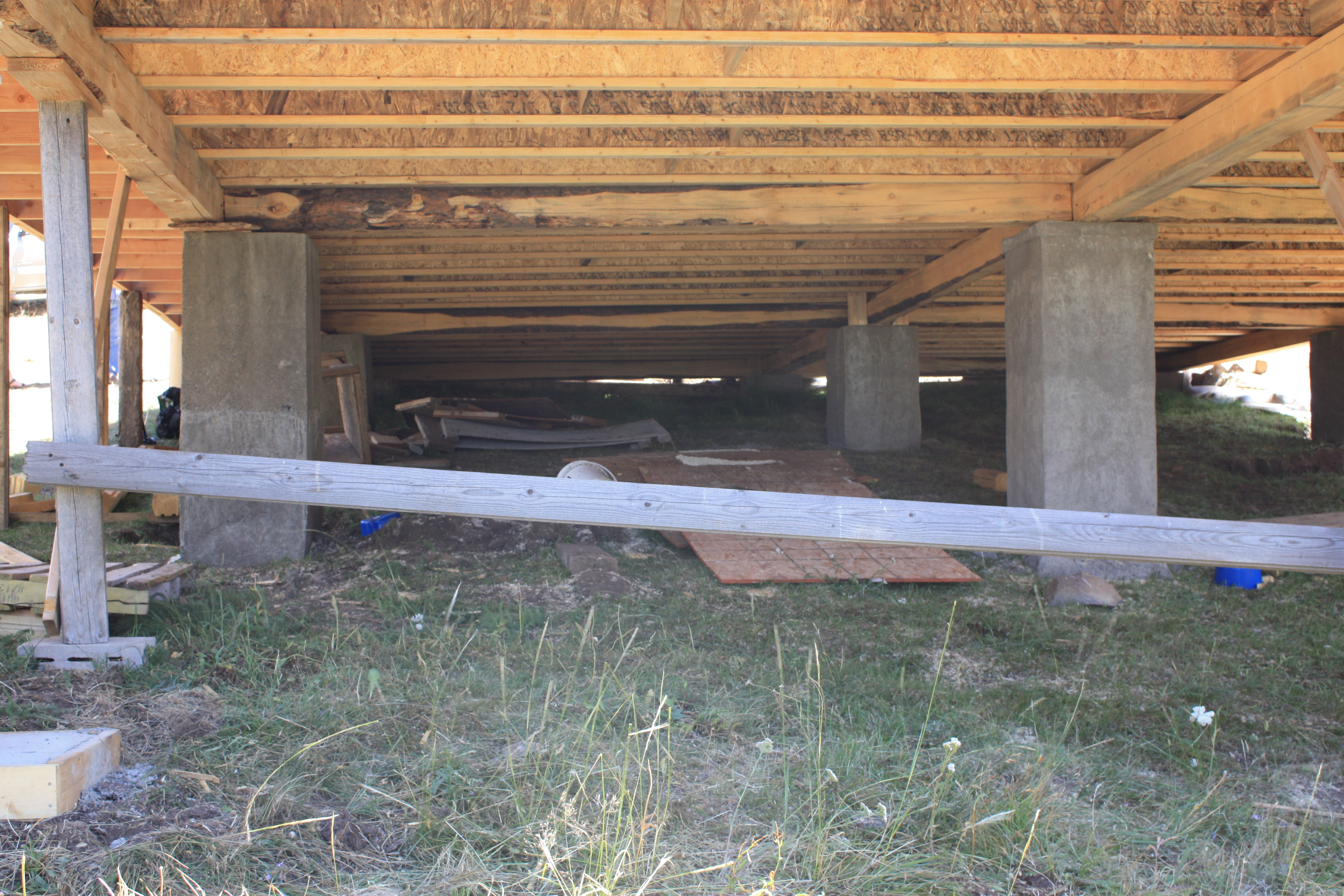 Structural supports should make for a good dance floor! . . . .
